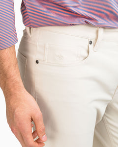 Southern Tide Men's Intercoastal Pant in Stone