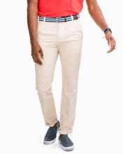 Load image into Gallery viewer, Southern Tide Skipjack Pant (Stone)