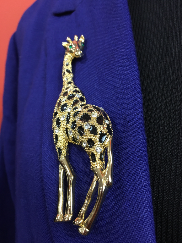 Gold Giraffe Brooch