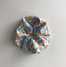 Load image into Gallery viewer, Tove Scrunchie