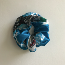 Load image into Gallery viewer, Firenze Scrunchie