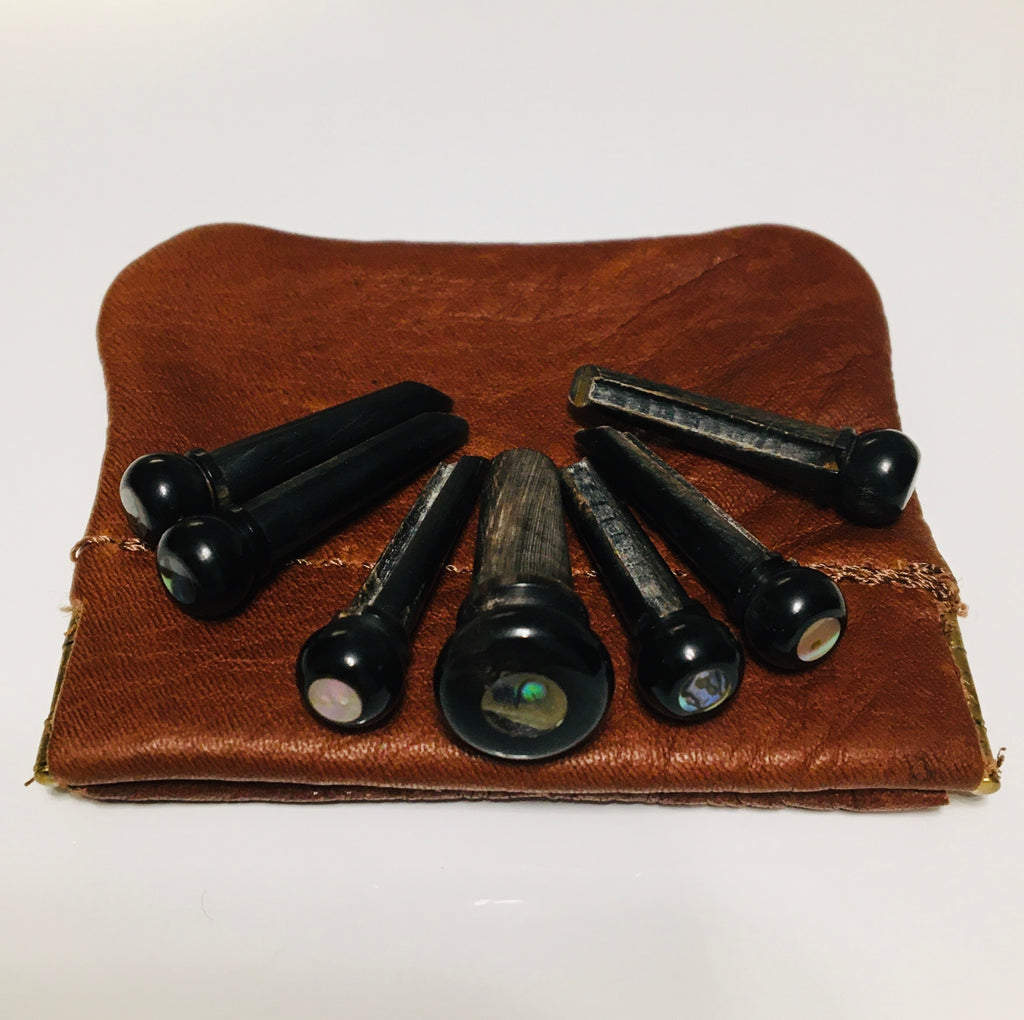John Pearse Horn Abalone Dot Bridge Pin Set with a Bag