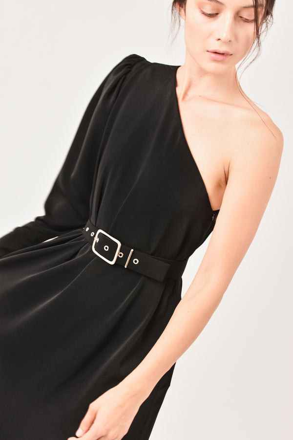 Vestido one-shoulder negro