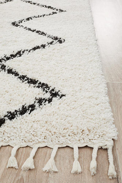 Saffron White ZigZag Rug {As Featured by The Hectic Eclectic}
