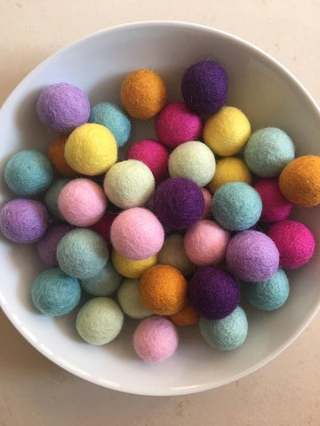 Bag of 45 assorted felt balls