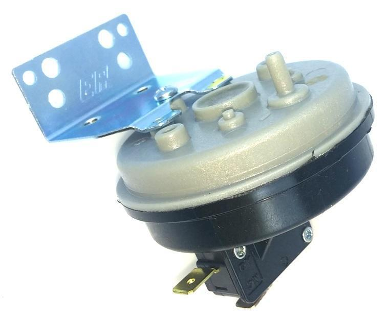 Harman Pressure Sensor Vacuum Switch, 3-20-6866-AMP