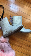 Load image into Gallery viewer, Ugg love(SOLD OUT