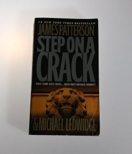 Step on a Crack by James Patterson, Paperback