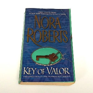 Key of Valor by Nora Roberts, Paperback