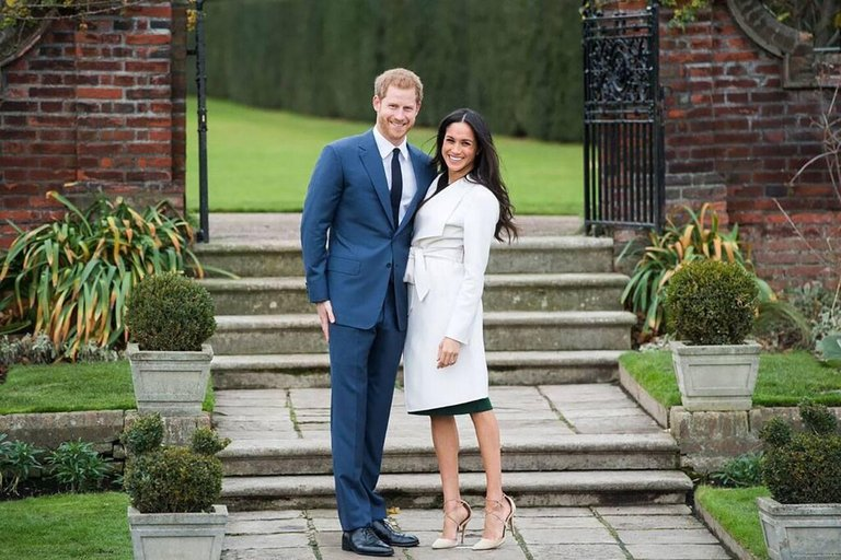 Meghan and Harry Engagement Announce, Famous Original.Investment History Signed 2018