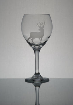 GL006D; 20oz Bulbous Red Wine Glass w/Deer