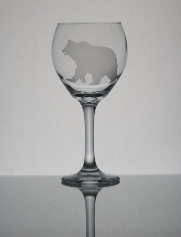 GL006G;  20oz Bulbous Red Wine Glass w/Grizzly Bear
