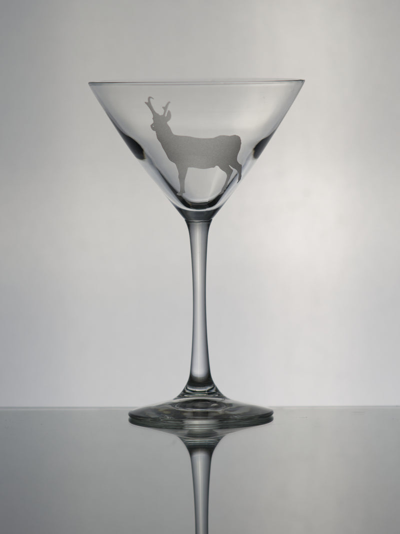 GL013A; Martini Glass w/Pronghorn Antelope