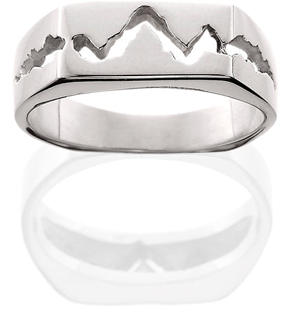 HR123; 14K White Gold Smooth Top Teton Ring