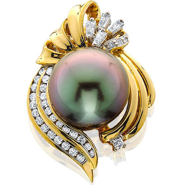 MAUIDIVERS0001; 18K Yellow Gold Tahitian Pearl Pendant w/Diamonds