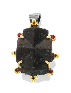 ZF026; 22K yellow Gold & Silver Pendant w/Natural Staurolite Crystal Surrounded w/Red Spinels
