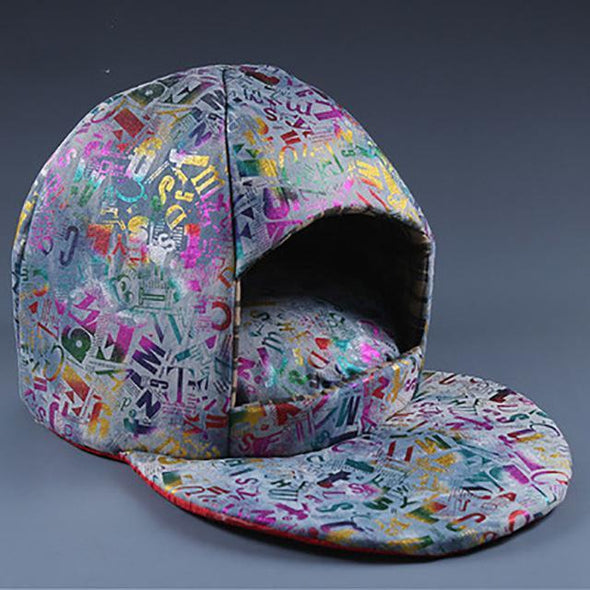 Hat-Shaped Warm Bed Stunning Pets Coloful M 62x38x47cm