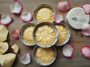 All natural, handmade lotion bar with organic cocoa butter. It is a solid moisturiser. In aluminium containers.