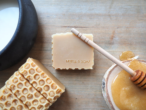 Natural Honey Pot soap with organic coconut milk and Cotswold honey. Ethically harvested honey. Gentle for the skin.