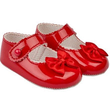 Load image into Gallery viewer, Baby Girls Soft Soled Shoe (5 colours available)