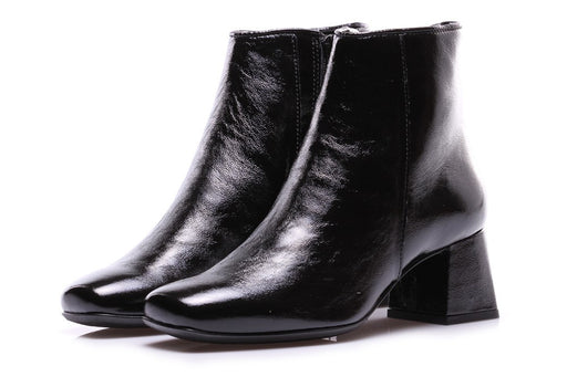 D+ womens black leather Ankle boots
