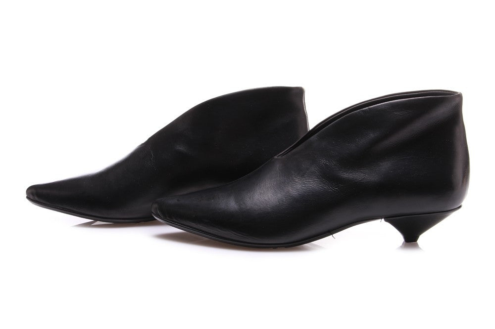 JUICE womens black leather Pointed toe pumps