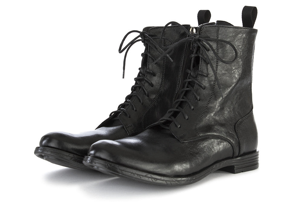 Ton Gout mens black leather ankle boots with lateral closure