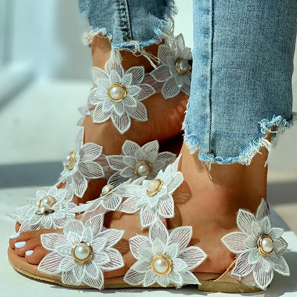 Remishoes Toe Ring Flower Design Flat Sandals