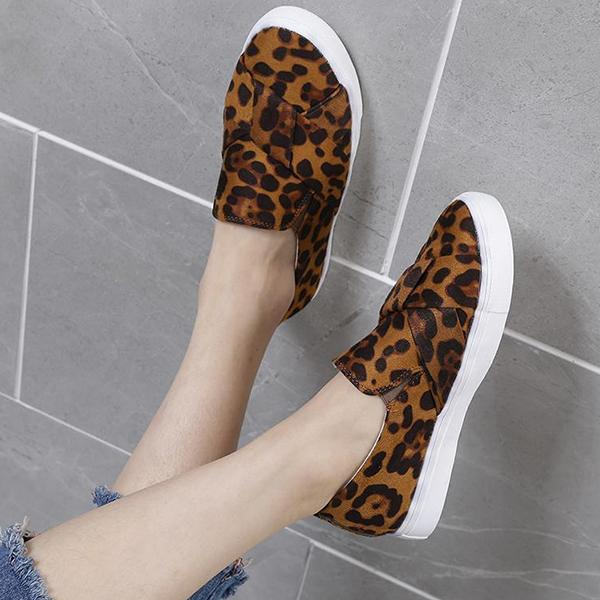 Remishoes Leopard Print Non-Lace Slip-On Casual Flats