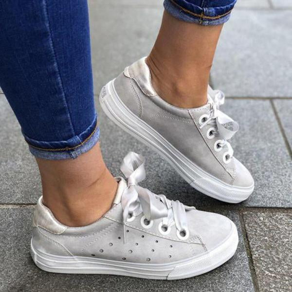 Remishoes Plain Round Toe Date Travel Sneakers