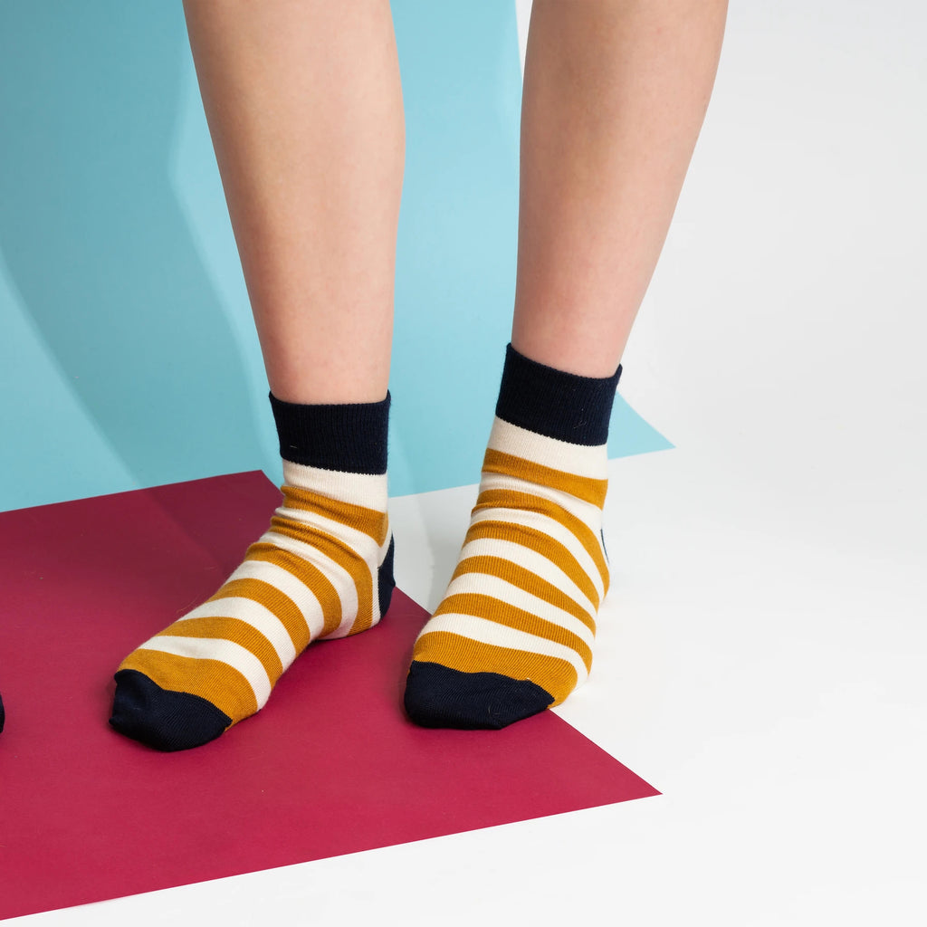 NISA Thick Stripe Socks