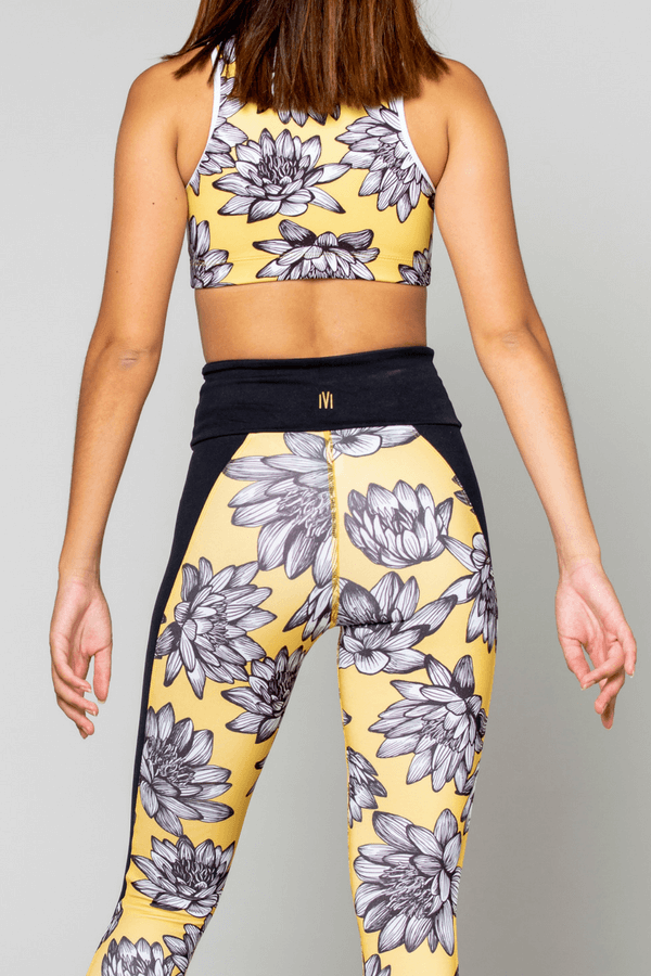 RIVIA SPORTS - Näck Active Crop Top Gul