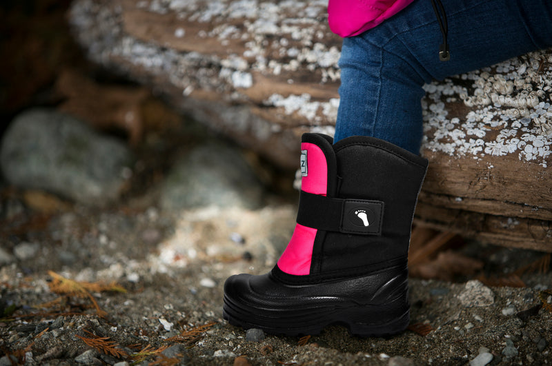 Pink and Black Scout - Extra wide opening - Weather-resistant Winter Boots for Kids - Stonz