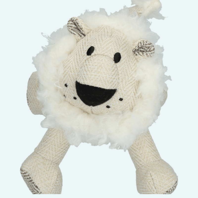 Wooly Luxury Lion White