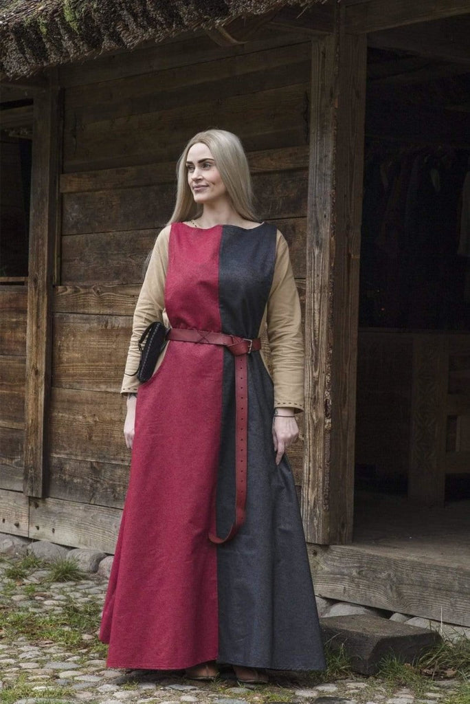 Dress  Runa, Black and Dark Red - Epic Armoury Unlimited