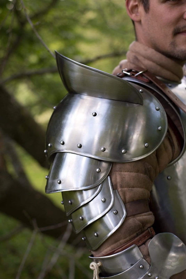 Giant Warrior Shoulder Armor, Polished Steel - Epic Armoury Unlimited