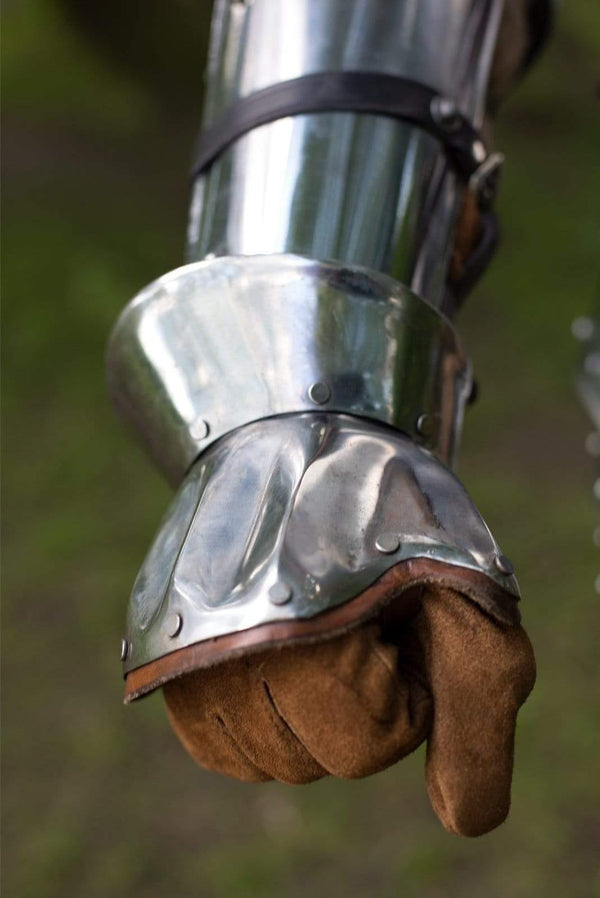 Hourglass Demi Gauntlets, Polished Steel - Epic Armoury Unlimited