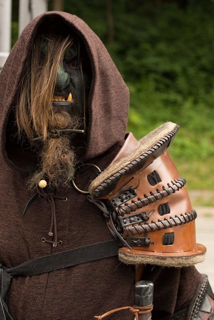 Orc Shoulder Armor, Brown