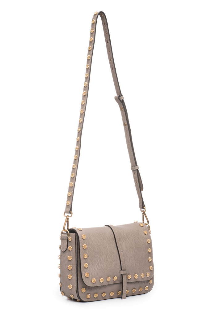Daisy Stud Messenger in Mineral