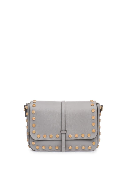 Daisy Stud Messenger in Shadow