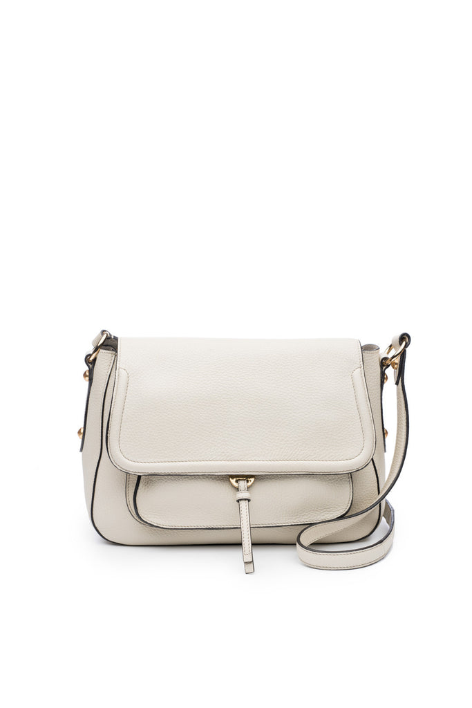Cece Messenger in Bone