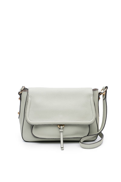 Cece Messenger in Dove