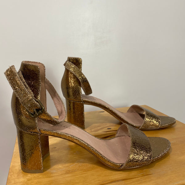 MADEWELL Rainy Metallic Gold Open Toe Sandal Heels Trending Wedding Size 8.5