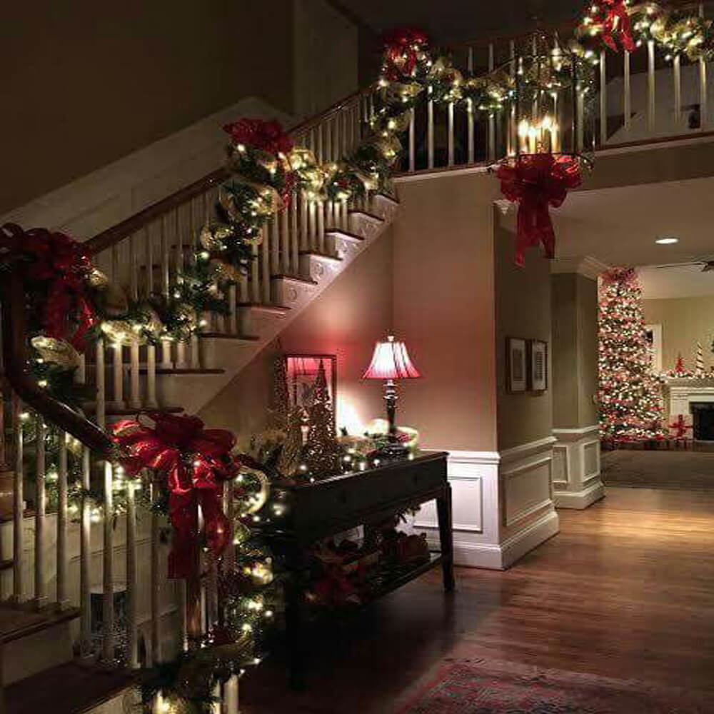 Christmas Feel-Real Colonial Garland with LED Lights