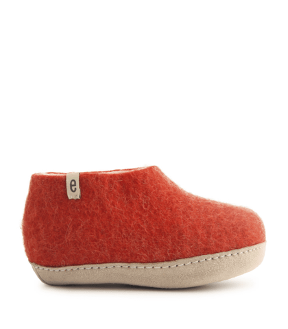 shoe classic dusty red size 30