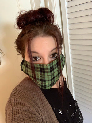Green plaid cloth facial mask