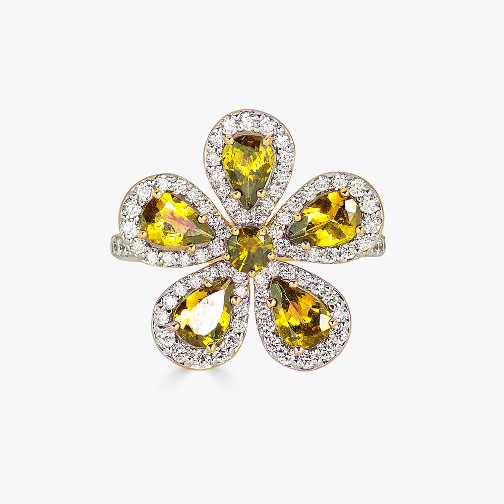 Classic Flower Ring in Yellow Sapphire