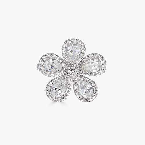 Classic Flower Ring in Diamond