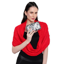 Load image into Gallery viewer, Leo Clutch in Black & Silver