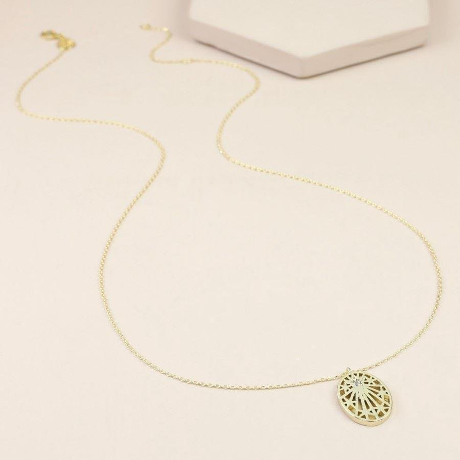 Long Cut Out Stars And Gem Oval Necklace | In Gold